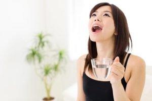 غرغره آب نمک در بهبود ویروس کرونا