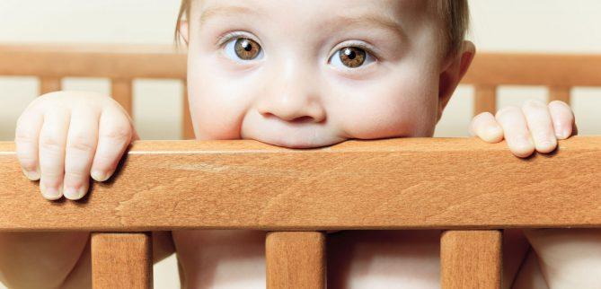 علائم دندان درآوردن در نوزادان