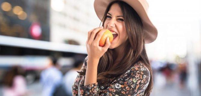 سیب چه تاثیری روی دندان دارد؟