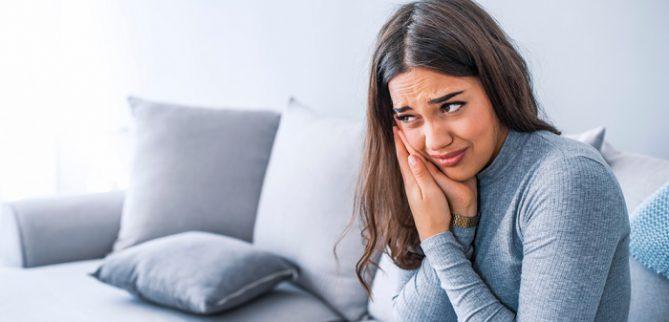 علائم پخش شدن عفونت دندان در بدن