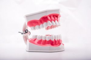 مراقبت از دندان های مصنوعی