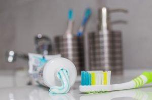 مواد پر خطر در برخی از خمیر دندان های نامناسب