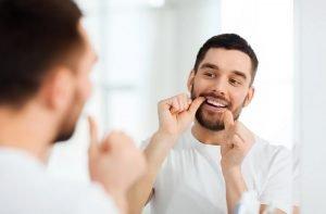 اشتباهات رایج در استفاده از نخ دندان